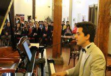 GENÇ BESTECİMİZ GÜNEŞ YAKARTEPE Şiiri. Şair Aydın Hatibi. Genç Bestekar Hediye Web Siteme Hediye Eden Usta şaire Teşekkür Eder Piyanist Piyano Konseri