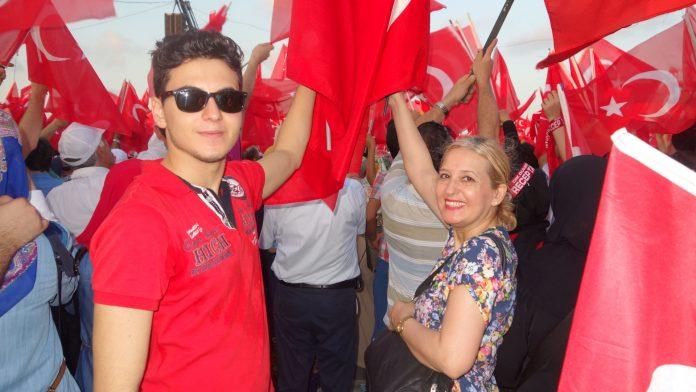 Genç Şair Besteci Şiir Beste Nota Kitabını Çıkardı 15 Temmuz, Vatan, Bayrak Şiirleri Ve Besteleri Yeni Kitap Birlik Beraberlik Türkü Şarkıları