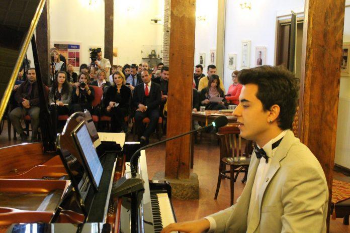 Genç Şair-Besteci Güneş Yakartepe Kimdir. Müzik Beste Hayatı Nedir, BİYOGRAFİ-Müzik Öğrenim Hayatı Nedir